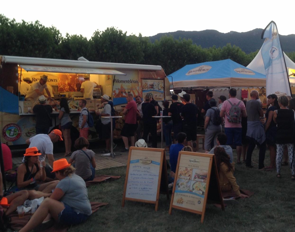 RichesMonts, la raclette en tournée l'été sur les festivals